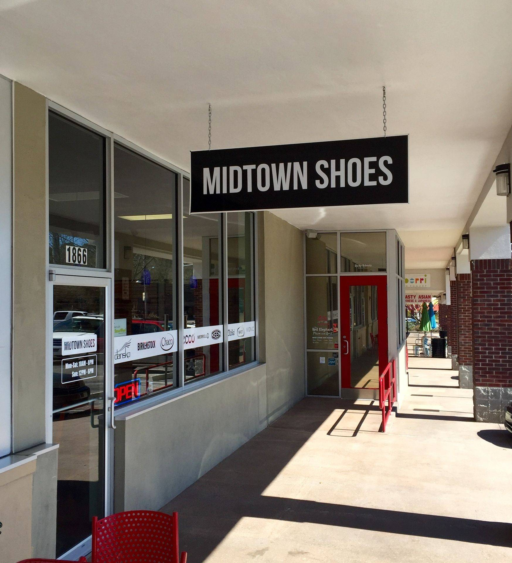 Midtown Shoes Entrance